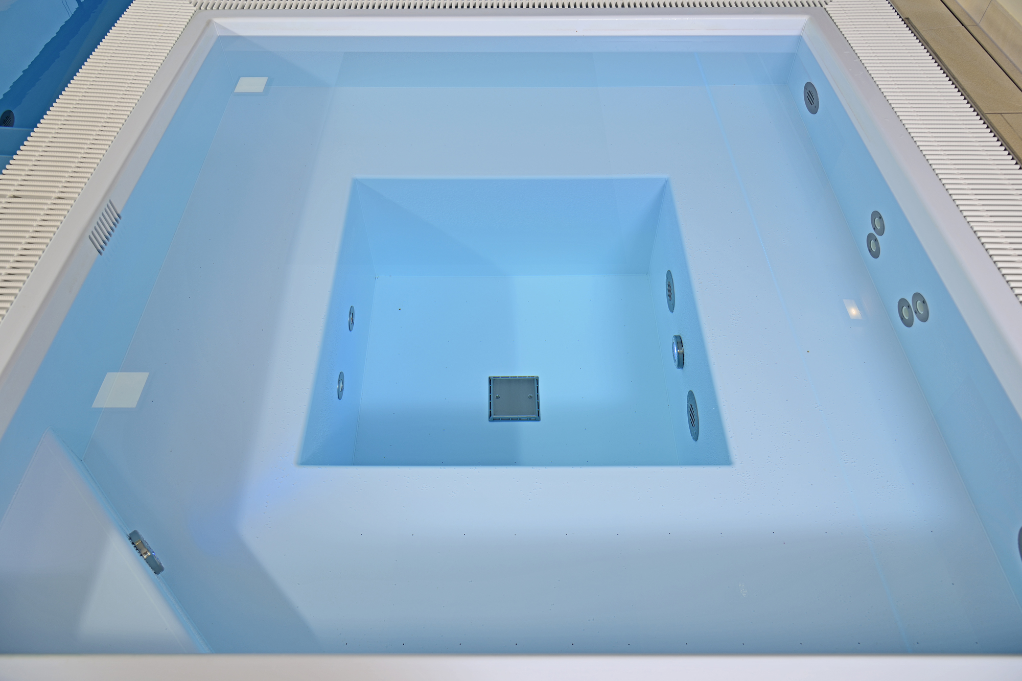 Veltmann Whirlpool in eisblau