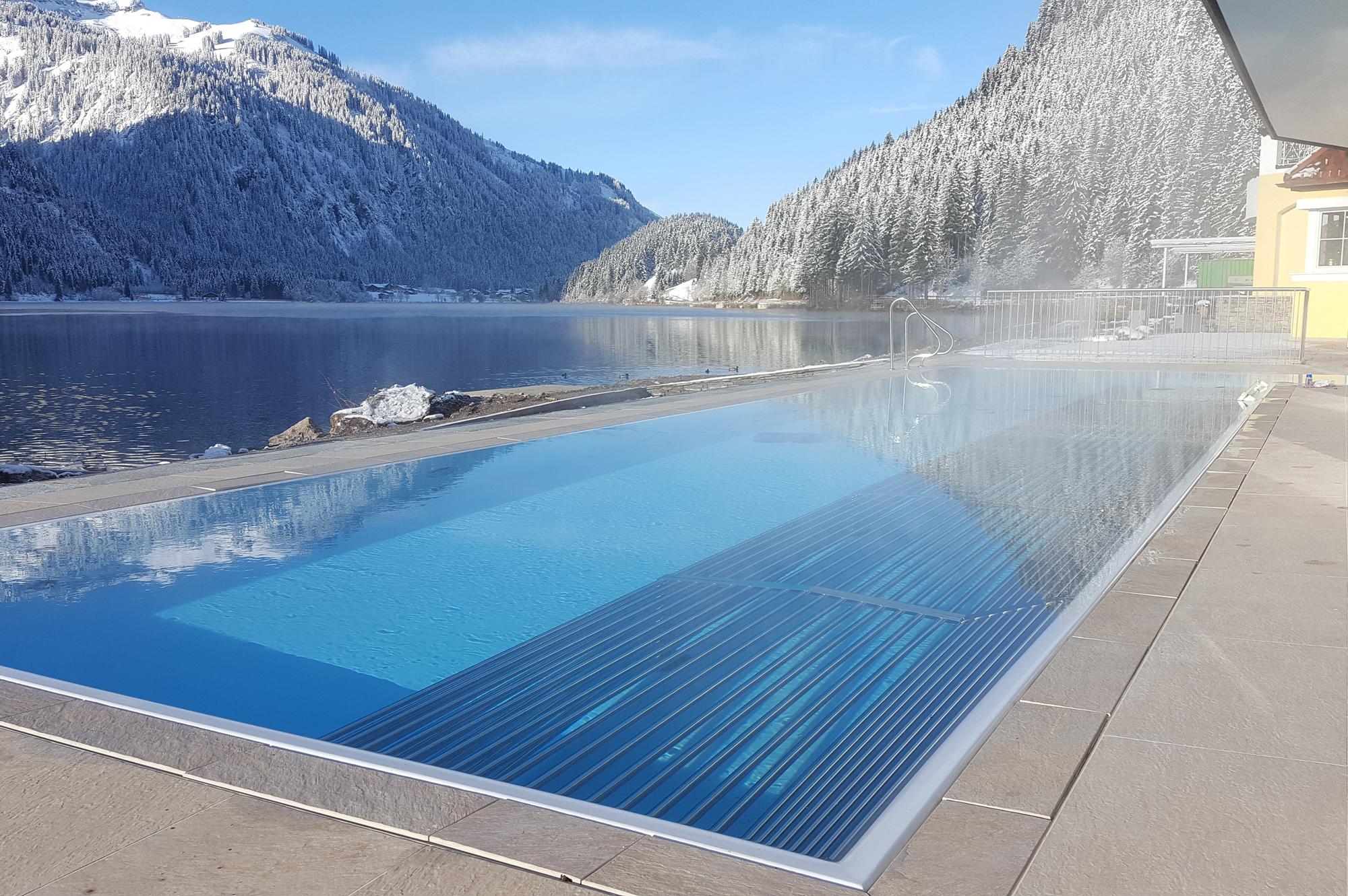 Winterzeit ausgenommen im Schwimmbecken