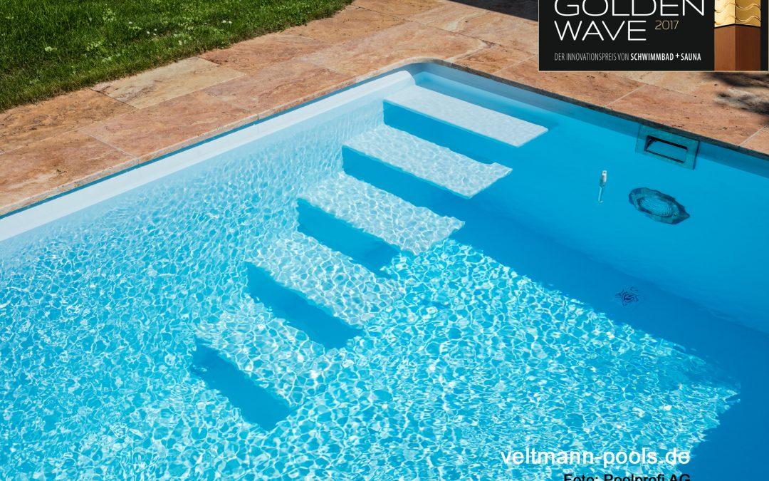 Schwimmbecken mit perlenden Stufen