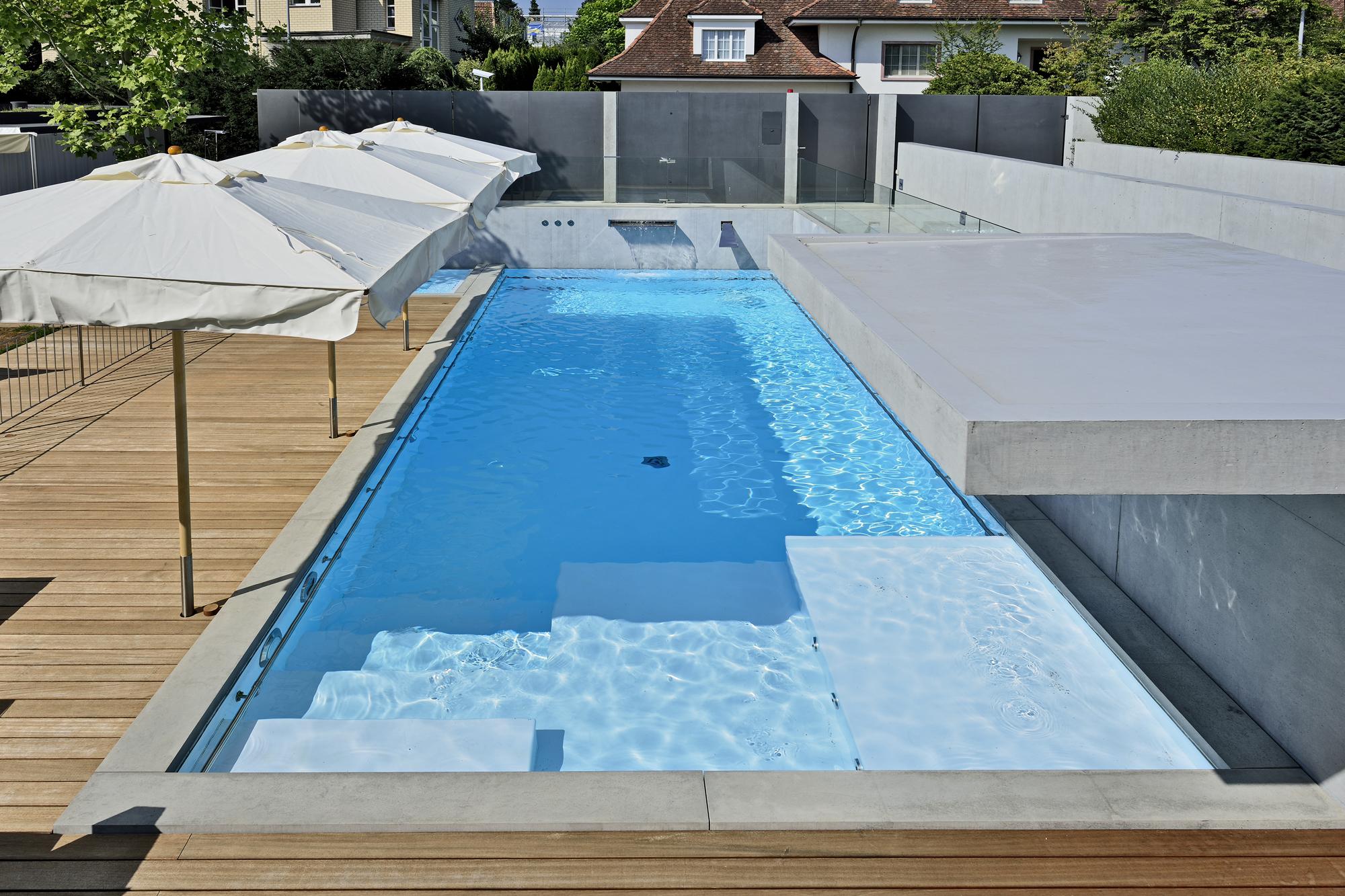 Custom Schwimmbecken in verschiedenen Tiefen bis 1,8 m