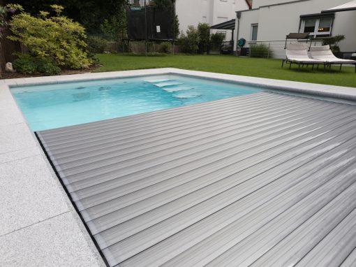 Gartenbad mit Abdeckung als Solarprofil in Alu-Look
