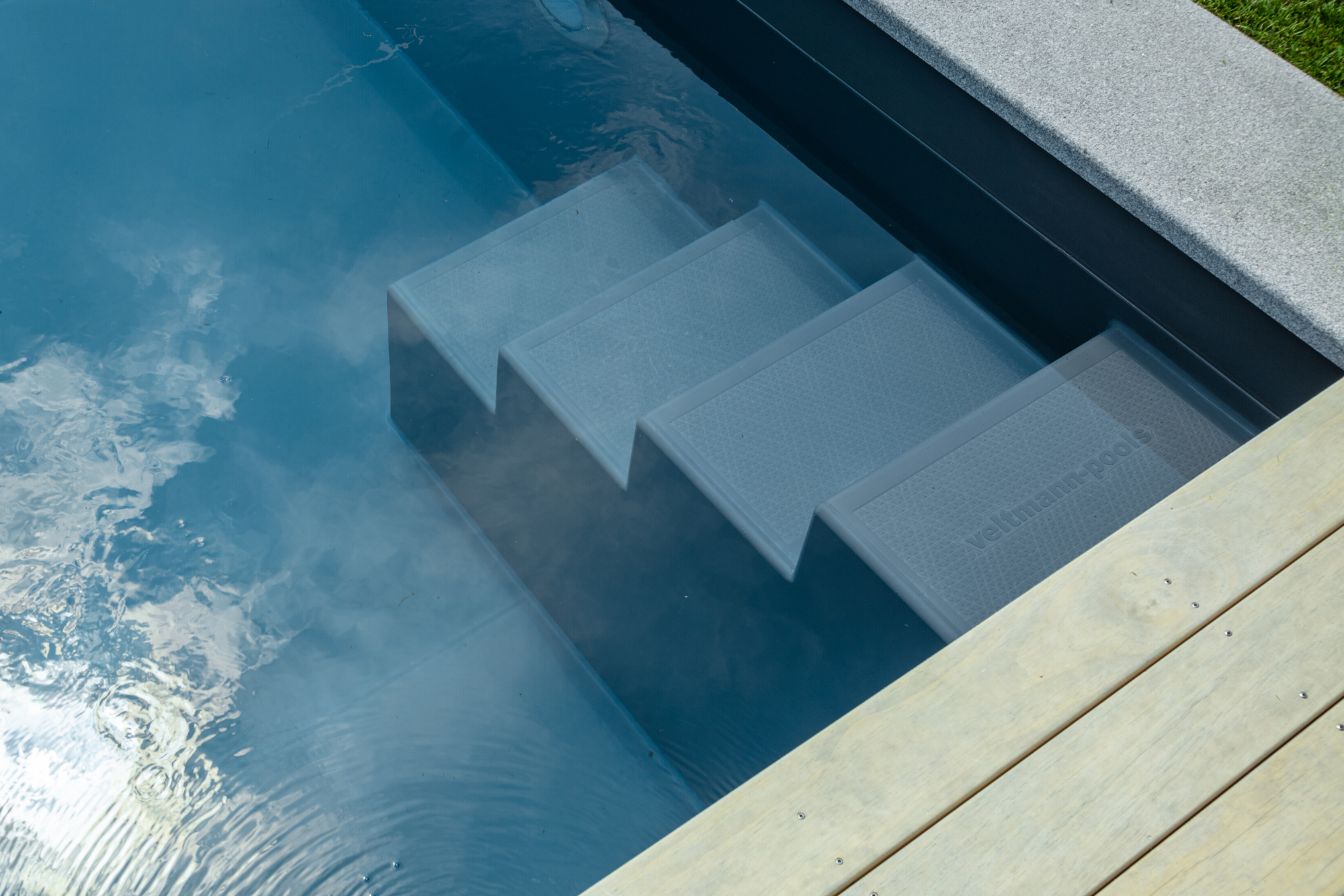 FPO Fertigschwimmbecken Treppe Valencia