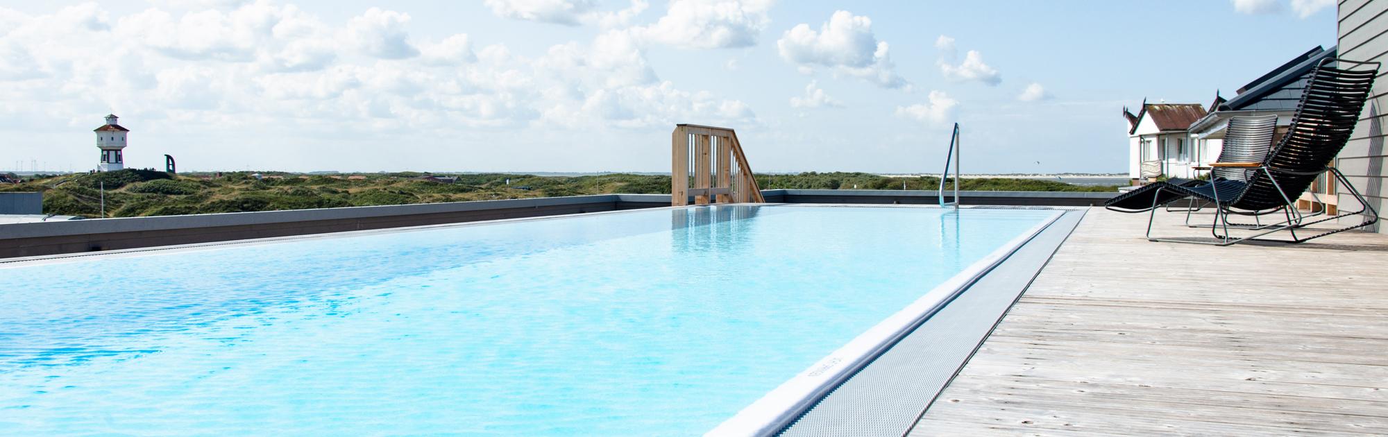 Custom Rooftop-Pool schliesslich freistehend