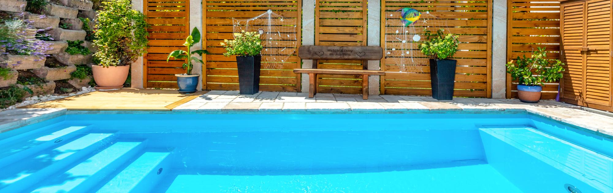 Schwimmbecken Typ Gartenbad sowie Treppenanlage Malaga